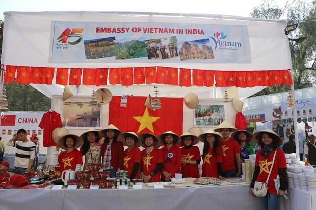 Le Vietnam a la Foire caritative Bazaar en Inde hinh anh 1