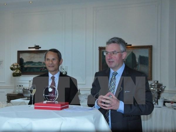 Rencontre avec des deputes d'amitie europeens en Belgique hinh anh 1