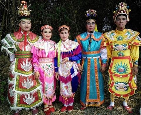 L'amour pour le tuong arrime par une fameuse famille theatrale a Da Nang hinh anh 1
