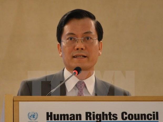 Efforts pour gerer les impacts des changements climatiques sur les droits des enfants hinh anh 1