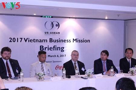 Les entreprises americaines s'engagent a investir sur le long terme au Vietnam hinh anh 1