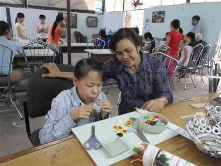 Le Centre pour jeunes handicapes Vi Ngay Mai fete ses 15 printemps hinh anh 2