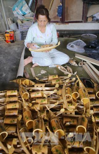 Thua Thien-Hue developpe les villages de metiers traditionnels en association avec le tourisme hinh anh 2