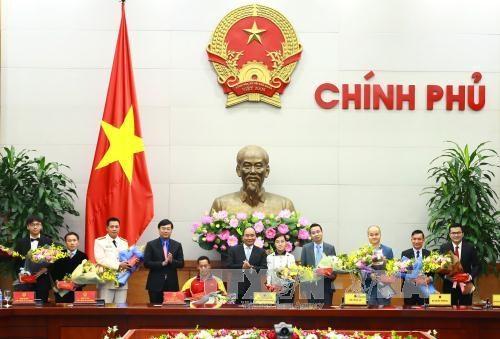 Le Premier ministre salue les contributions des jeunes eminents au pays hinh anh 1