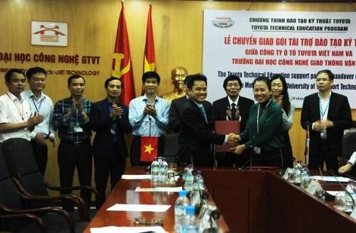 Toyota soutient la formation professionnelle au Vietnam hinh anh 1