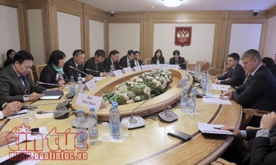 Le Vietnam renforce ses relations exterieures avec la Russie hinh anh 1