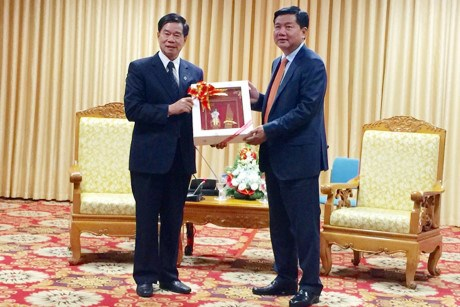 Promotion de la cooperation entre Ho Chi Minh-Ville et Vientiane hinh anh 1