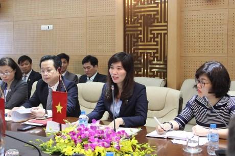 Hanoi et Varsovie partagent des experiences de gestion urbaine hinh anh 1