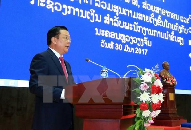 Le Vietnam partage ses experiences de gestion fiscale et douaniere avec le Laos hinh anh 1