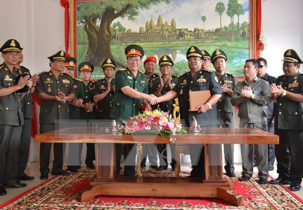 Armee : le Vietnam soutient le Cambodge hinh anh 1