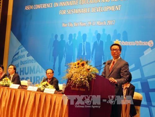 ASEM : conference sur l'innovation pedagogique a Hue hinh anh 1