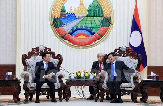 Le Premier ministre laotien appuie la cooperation financiere avec le Vietnam hinh anh 1
