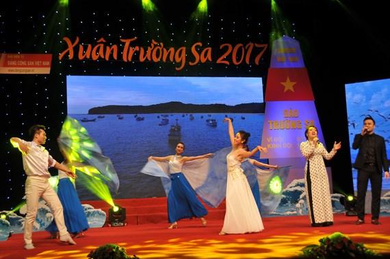 """Programme artistique """"Printemps de Truong Sa 2017"""" hinh anh 1"""