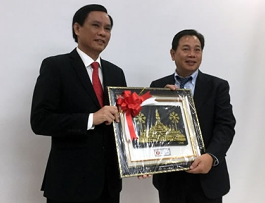 Renforcer les relations d'amitie entre Da Nang et le Laos hinh anh 1