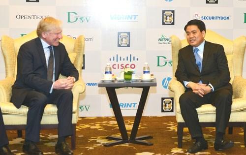 """Hanoi souhaite cooperer avec Microsoft dans la construction de la """"pepiniere des technologies"""" hinh anh 1"""