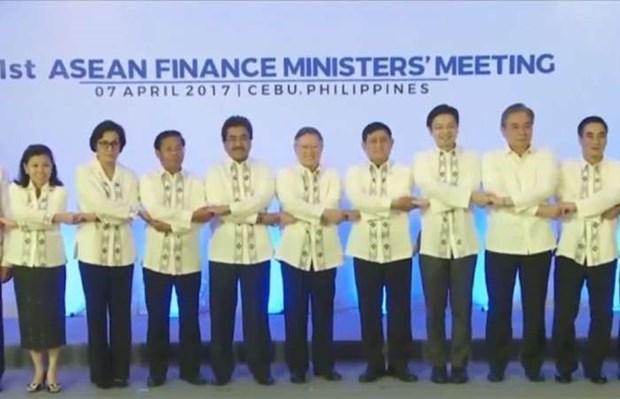 L'ASEAN s'engage a stabiliser le marche financier et promouvoir la croissance economique hinh anh 1