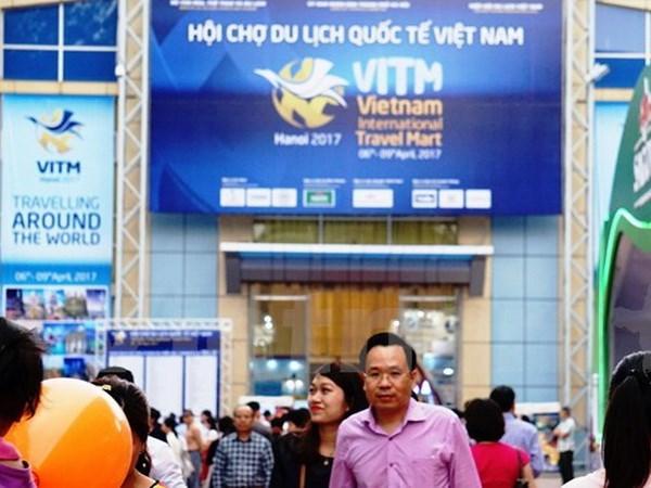 Le salon international du tourisme Hanoi 2017 accueille 61.000 visiteurs hinh anh 1