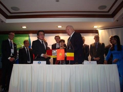 La Belgique soutient la desalinisation des champs du delta du Mekong hinh anh 1