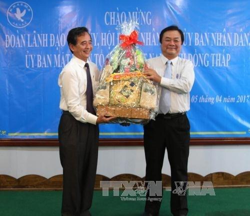 Une delegation de la province de Dong Thap en visite au Cambodge hinh anh 1