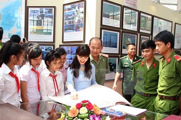 Exposition sur les archipels de Hoang Sa et Truong Sa a Khanh Hoa hinh anh 1
