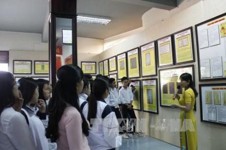 Une exposition sur Hoang Sa et Truong Sa a Lam Dong hinh anh 1