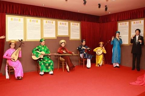 Inauguration d'une exposition de statues de cire a Ho Chi Minh-Ville hinh anh 1