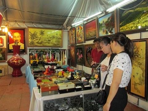 L'exposition sur les villages de metiers du Vietnam 2017 hinh anh 1