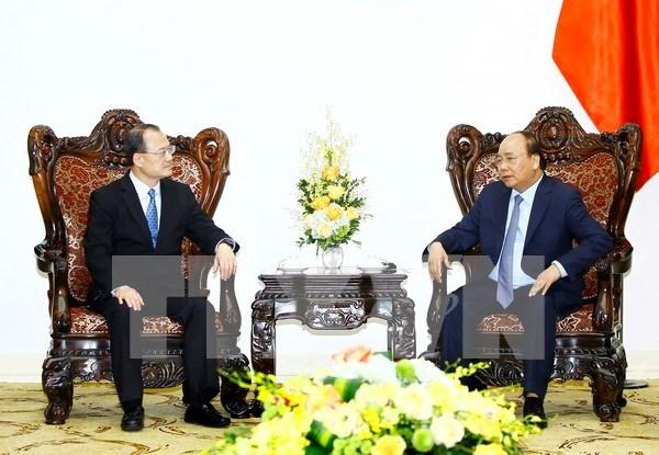 Le Premier ministre recoit le president de la Chambre de commerce Hong Kong-Vietnam hinh anh 1