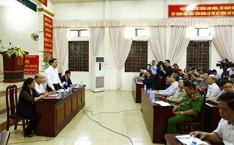 Le president du Comite populaire de Hanoi dialogue avec les habitants de Dong Tam hinh anh 1