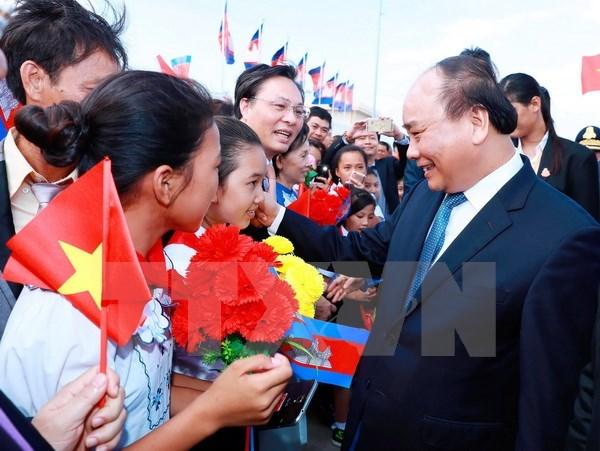 Le PM Nguyen Xuan Phuc entame sa visite officielle au Cambodge hinh anh 1