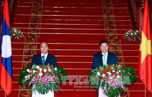 La visite du PM Nguyen Xuan Phuc portera les relations Laos-Vietnam a une nouvelle hauteur hinh anh 1