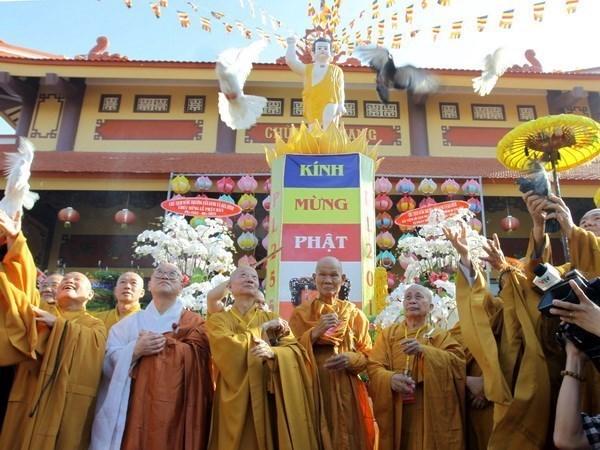 Le FPV presente ses vœux a l'occasion de l'anniversaire du Bouddha hinh anh 2