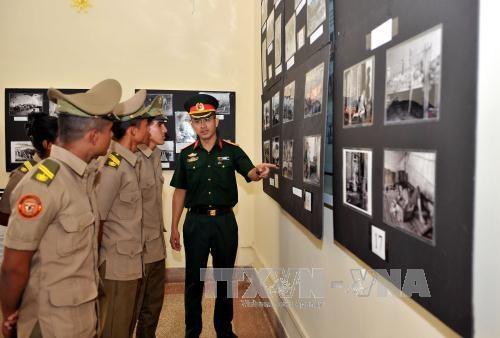 Exposition sur la liberation du Sud et la reunification nationale a Cuba hinh anh 1