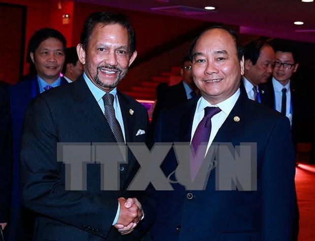ASEAN : le PM Nguyen Xuan Phuc rencontre le sultan du Brunei hinh anh 1