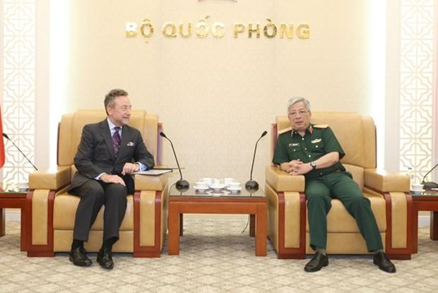 Defense : promouvoir la cooperation entre le Vietnam et la Republique tcheque hinh anh 1