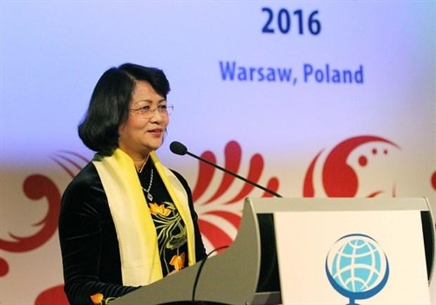 La vice-presidente du Vietnam Dang Thi Ngoc Thinh part pour la Mongolie et le Japon hinh anh 1