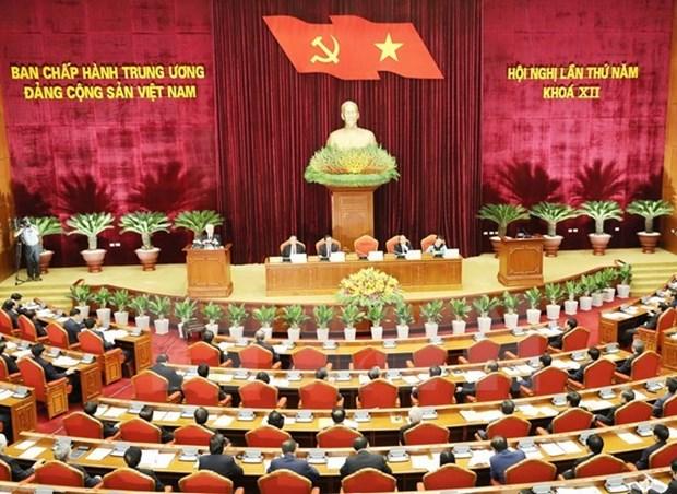 Quatrieme journee de travail du 5e Plenum du Comite central du Parti hinh anh 1