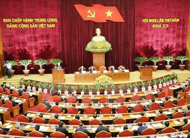 Cinquieme journee de travail du 5e Plenum du Comite central du Parti hinh anh 1