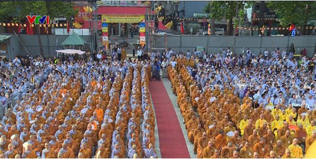 Celebration solennelle du Vesak 2017 a Hanoi hinh anh 1