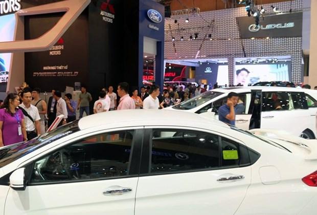 Chute de ventes d'automobiles en avril hinh anh 1