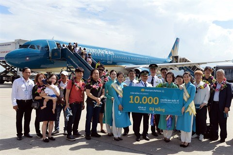 Vietnam Airlines accueille son 10.000e vol international a Da Nang hinh anh 1