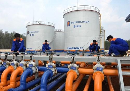 Importation de pres de 990.000 tonnes de carburants de R. de Coree en quatre mois hinh anh 1