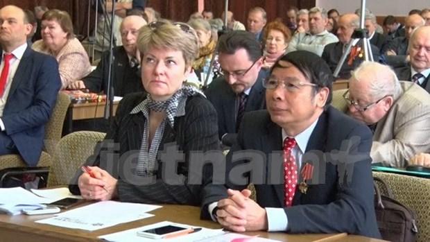 En Russie, le Vietnam partage ses experiences dans l'edification du socialisme hinh anh 1