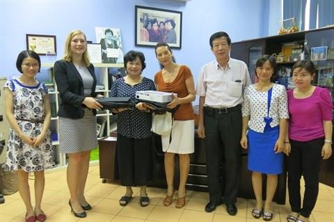 L'ambassade d'Allemagne au chevet des enfants autistes a Hanoi hinh anh 1