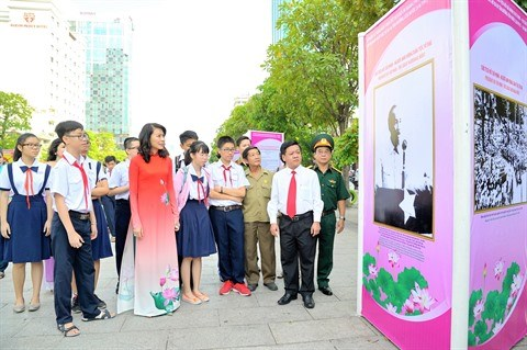 Photographie : des expositions en hommage au President Ho Chi Minh hinh anh 1