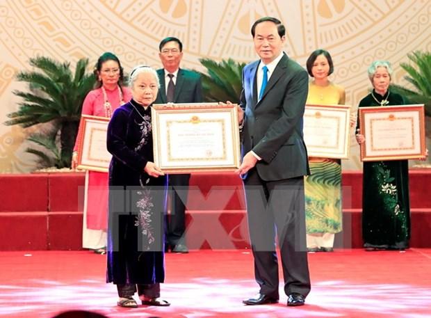 Plus de de 110 Prix Ho Chi Minh et Prix d'Etat a des ecrivains et artistes hinh anh 1