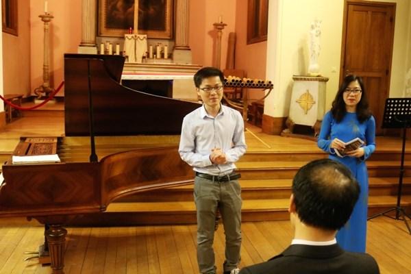 Un concert special pour collecter des aides pour les etudiants vietnamiens meritants hinh anh 3