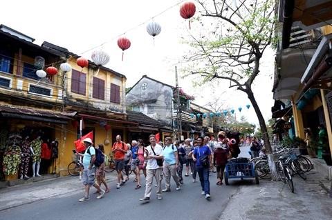 Forte hausse du nombre de touristes etrangers au Vietnam hinh anh 1