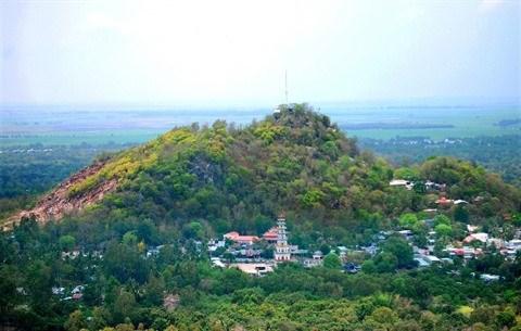 A la decouverte des pagodes sur le mont Tra Su a An Giang hinh anh 1