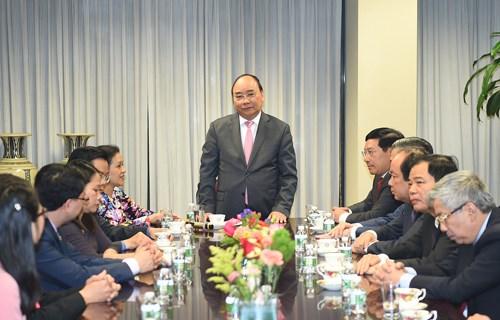 Le PM travaille avec la mission permanente du Vietnam aupres de l'ONU hinh anh 1